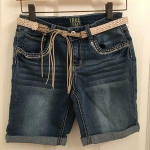 True Craft Denim Belted Cuffed Jean Shorts Size 12